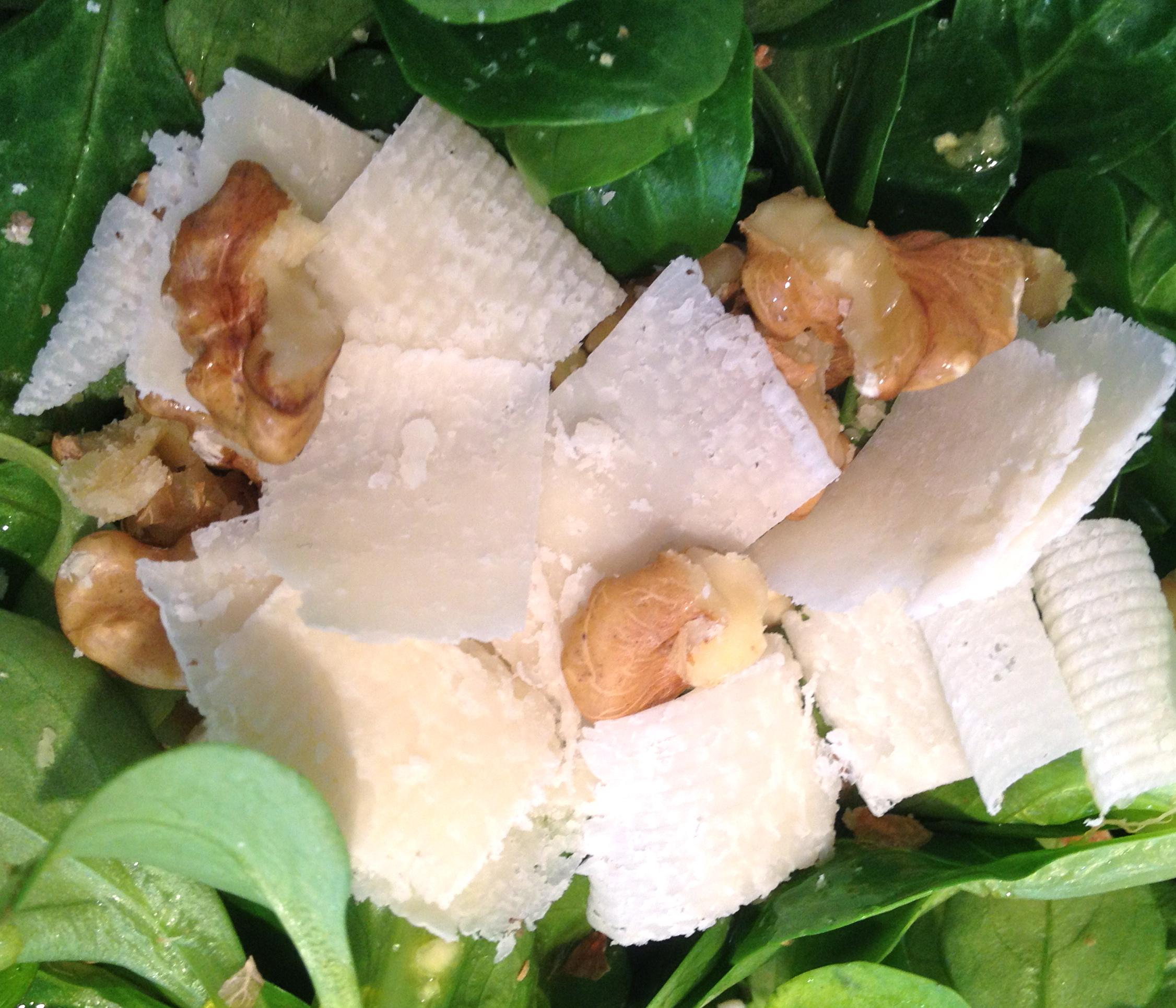 Contorno estivo insalata soncino con noci e grana fitu for Soncino insalata